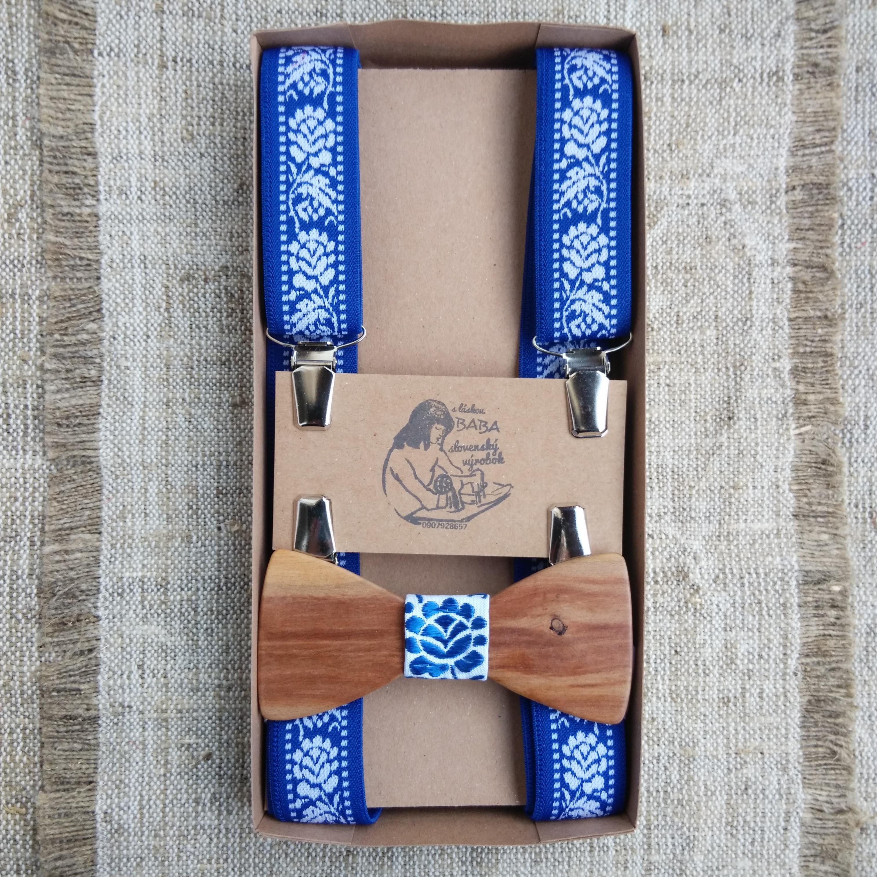 cc3df7c3a Modrý drevený folk set – motýlik a traky – babafolk.sk